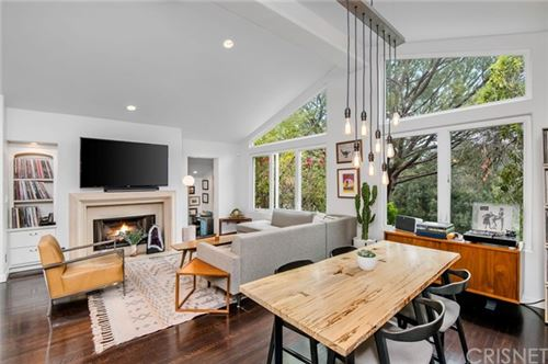 Photo of 7201 Sycamore Trail, Hollywood Hills, CA 90068 (MLS # SR21089785)