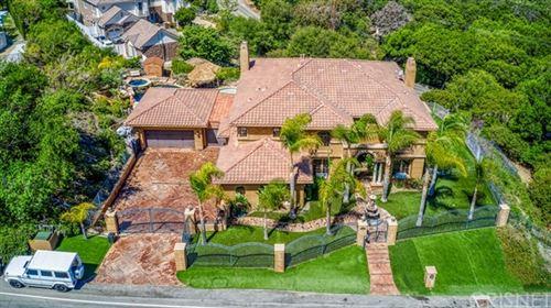 Photo of 435 Woodbluff Road, Calabasas, CA 91302 (MLS # SR21094785)