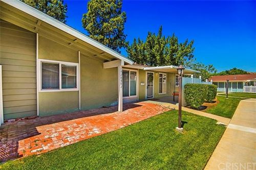 Photo of 19208 Avenue Of The Oaks #G, Newhall, CA 91321 (MLS # SR21097785)