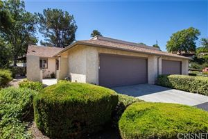 Photo of 20008 Avenue Of The Oaks, Newhall, CA 91321 (MLS # SR19216787)