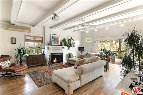 Photo of 29251 Circle Drive, Agoura Hills, CA 91301 (MLS # 21754788)