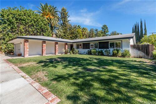 Photo of 5540 Franrivers Avenue, Woodland Hills, CA 91367 (MLS # SR21229788)