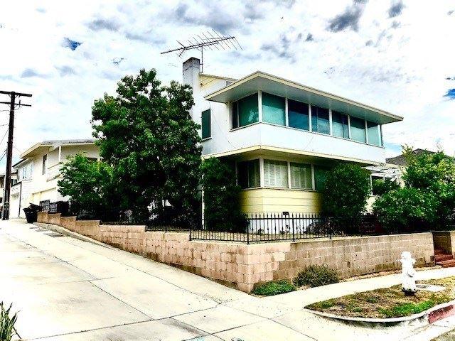 Photo of 2820 Bayview Drive, Corona del Mar, CA 92625 (MLS # SR21028788)