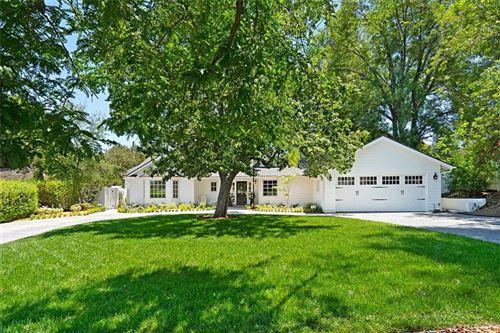 Photo of 5140 Quakertown Avenue, Woodland Hills, CA 91364 (MLS # SR21148789)