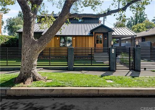 Photo of 14000 Peach Grove Street, Sherman Oaks, CA 91423 (MLS # SR21230789)