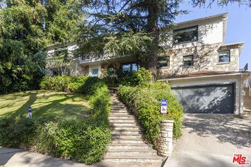 Photo of 344 DALEHURST Avenue, Los Angeles, CA 90024 (MLS # 20572790)