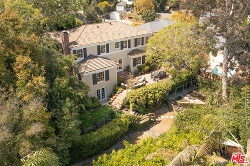 Photo of 4010 Cromwell Avenue, Los Angeles, CA 90027 (MLS # 21725790)