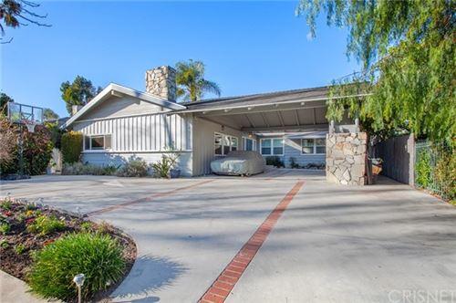Photo of 14011 Hartsook Street, Sherman Oaks, CA 91423 (MLS # SR21034790)