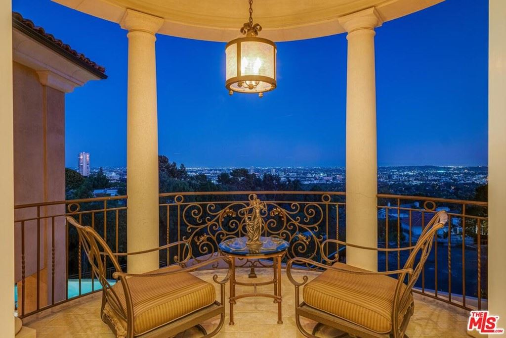 Photo of 1142 CALLE VISTA Drive, Beverly Hills, CA 90210 (MLS # 20631790)
