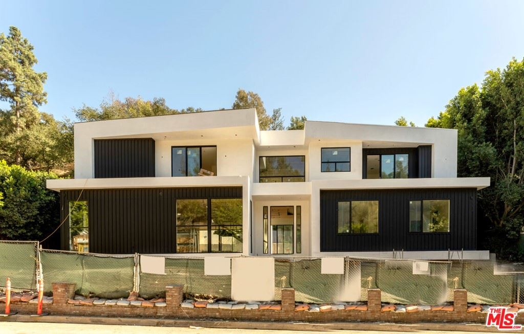 Photo of 2630 Hutton Drive, Beverly Hills, CA 90210 (MLS # 21778790)