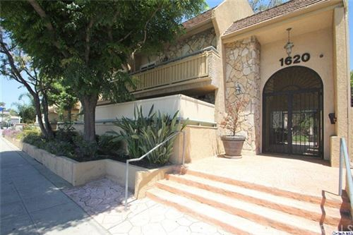 Photo of 1620 N San Fernando Boulevard #17, Burbank, CA 91504 (MLS # 319004791)