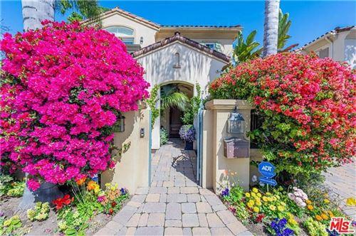 Photo of 2110 Butler Avenue, Los Angeles, CA 90025 (MLS # 21759792)