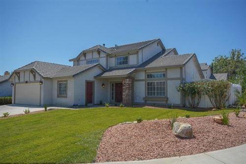Photo of 14535 Oak Branch Road, Victorville, CA 92392 (MLS # 524792)
