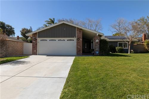 Photo of 25145 Highspring Avenue, Newhall, CA 91321 (MLS # SR20041793)