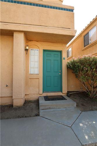 Photo of 18846 Vista Del Canon #H, Newhall, CA 91321 (MLS # SR21183793)