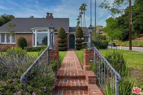 Photo of 329 E MOUNTAIN Street, Glendale, CA 91207 (MLS # 20584794)