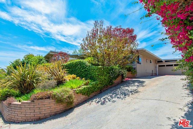 Photo of 1045 Glenhaven Drive, Pacific Palisades, CA 90272 (MLS # 21749794)