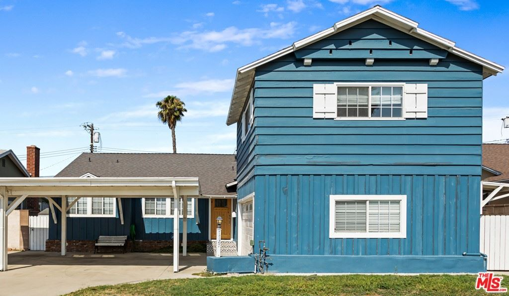 Photo of 7727 Bluebell Avenue, North Hollywood, CA 91605 (MLS # 21759794)
