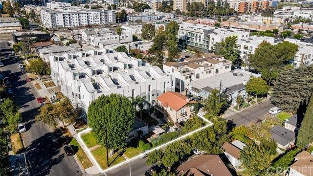 Photo of 10903 Otsego Street, North Hollywood, CA 91601 (MLS # SR20250795)