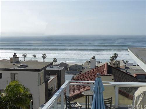 Photo of 229 Moonstone Street, Manhattan Beach, CA 90266 (MLS # SB21041796)