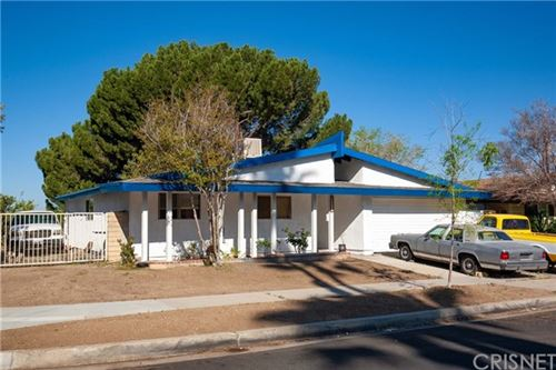 Photo of 27905 Arcay Avenue, Canyon Country, CA 91351 (MLS # SR21070796)