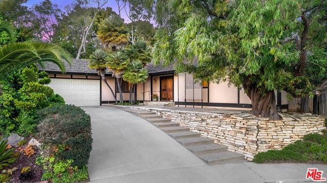 Photo of 107 FOXTAIL Drive, Santa Monica, CA 90402 (MLS # 20577796)