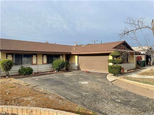 Photo of 305 E Rancho Road, Corona, CA 92879 (MLS # IV21167799)