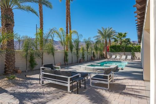 Photo of 8 Corte Del Sol, Rancho Mirage, CA 92270 (MLS # 219058177DA)