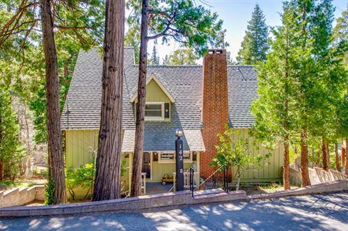 Photo of 142 John Muir Road, Lake Arrowhead, CA 92352 (MLS # 219059897PS)