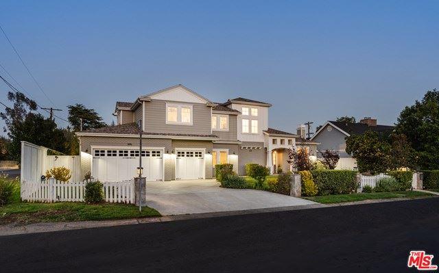 Photo of 4560 Carpenter Avenue, Valley Village, CA 91607 (MLS # 21723800)