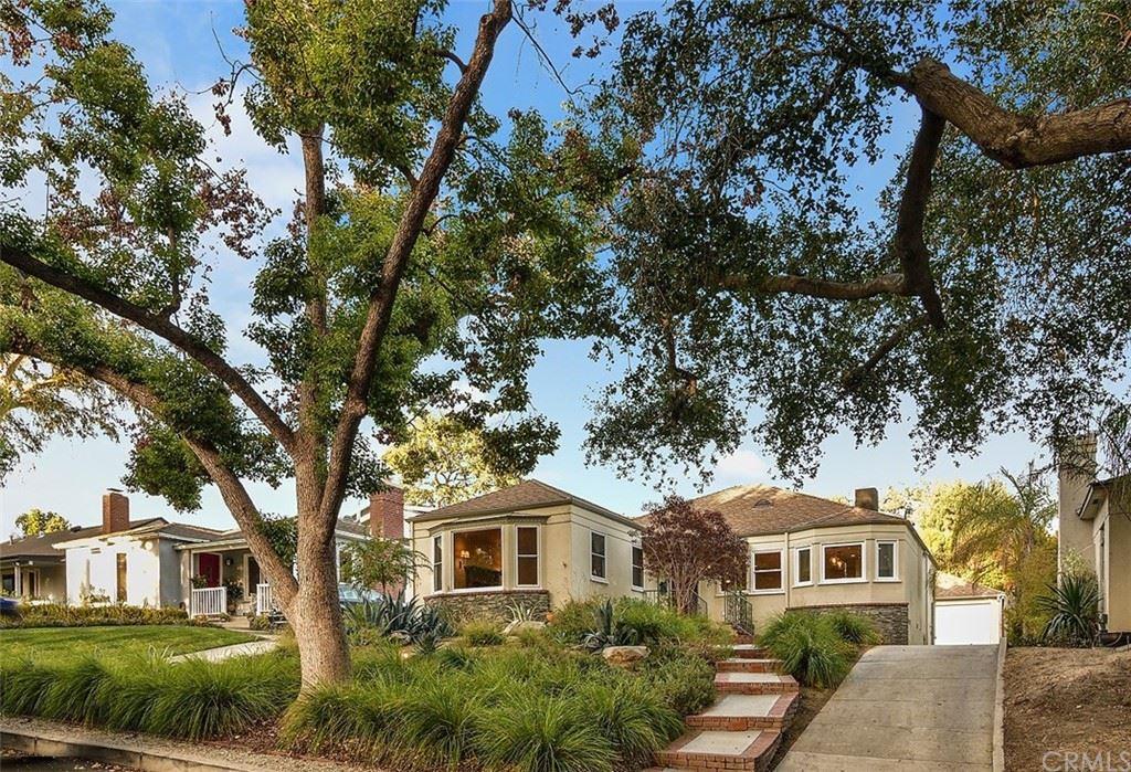 Photo of 450 S Lamer Street, Burbank, CA 91506 (MLS # BB21207801)