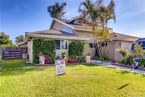 Photo of 1019 Linden Place, Costa Mesa, CA 92627 (MLS # OC20121802)