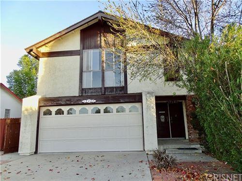 Photo of 17247 Hiawatha Street, Granada Hills, CA 91344 (MLS # SR21002802)