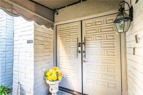 Photo of 5345 White Oak Avenue #H, Encino, CA 91316 (MLS # SR21007802)
