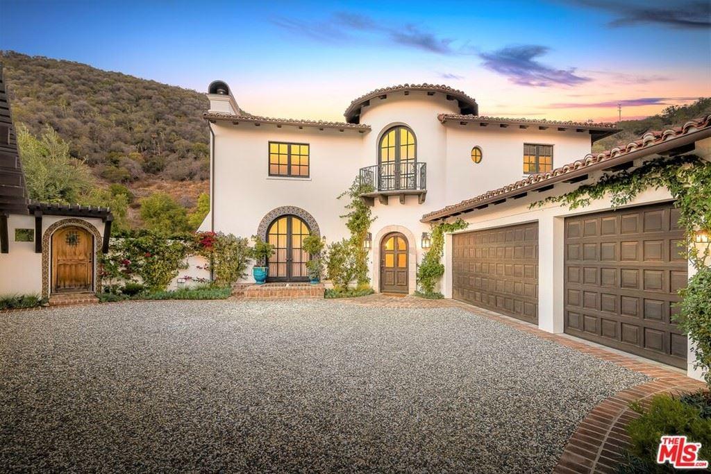 Photo of 16801 Via La Costa, Pacific Palisades, CA 90272 (MLS # 21772802)
