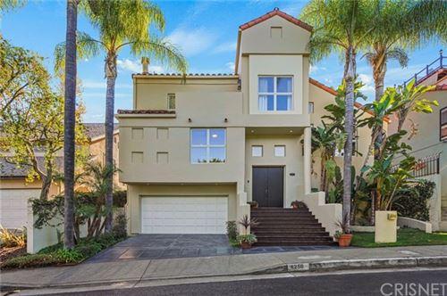 Photo of 4258 Levitt Lane, Sherman Oaks, CA 91403 (MLS # SR21021803)