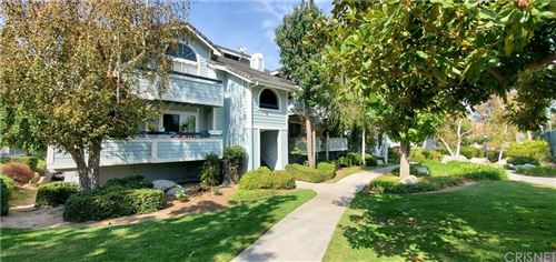 Photo of 26864 Claudette Street #718, Canyon Country, CA 91351 (MLS # SR21218803)