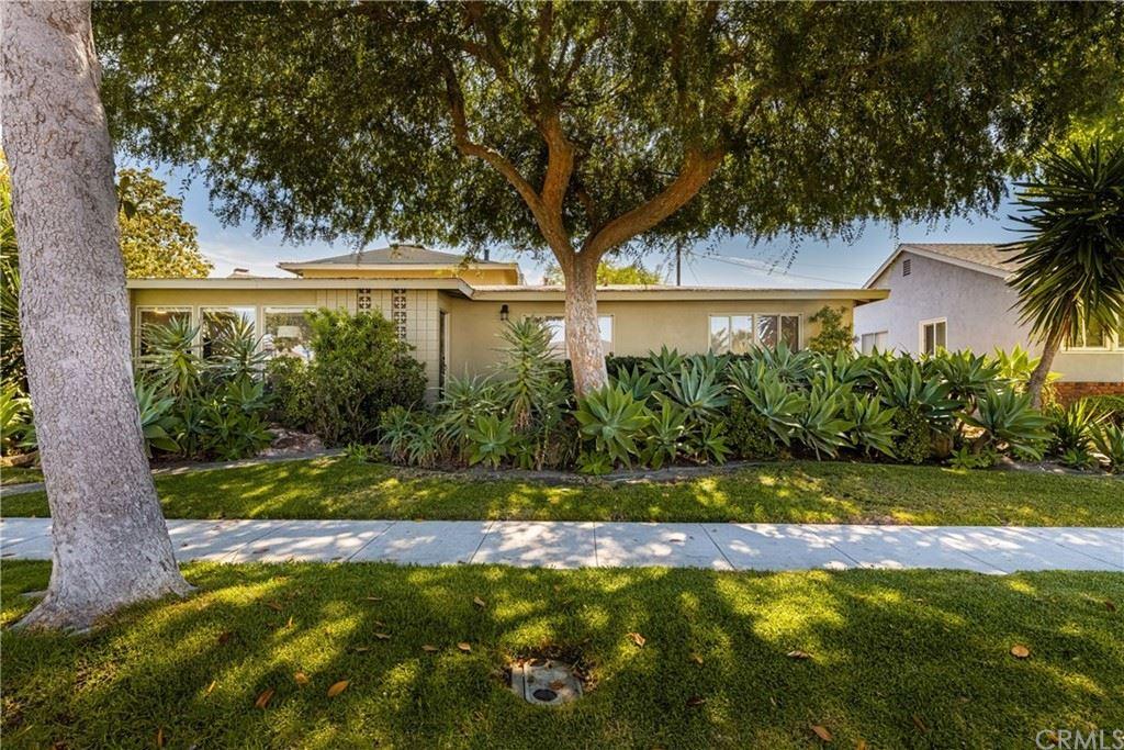 Photo of 1850 Carfax Avenue, Long Beach, CA 90815 (MLS # RS21161803)