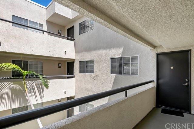 Photo of 5530 Owensmouth Avenue #202, Woodland Hills, CA 91367 (MLS # SR21132803)