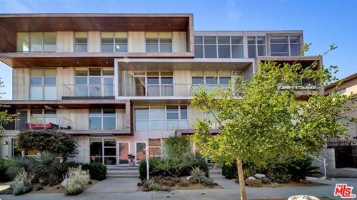 Photo of 611 N Bronson Avenue #9, Los Angeles, CA 90004 (MLS # 20629804)