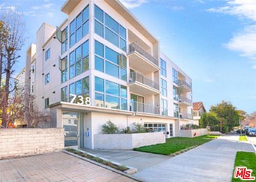 Photo of 738 S Ogden Drive #304, Los Angeles, CA 90036 (MLS # 20665804)