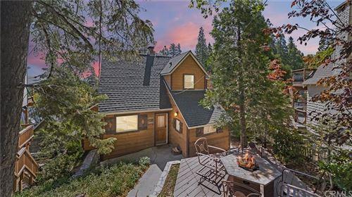 Photo of 28816 Cedar Drive, Lake Arrowhead, CA 92352 (MLS # CV21106805)