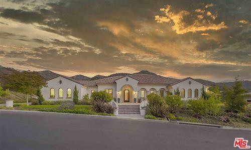 Photo of 650 Williamsburg Court, Thousand Oaks, CA 91361 (MLS # 21741806)