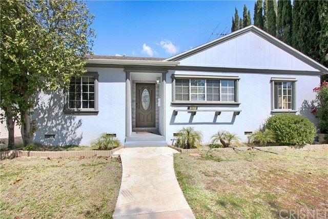 Photo of 13501 Hamlin Street, Valley Glen, CA 91401 (MLS # SR21065806)