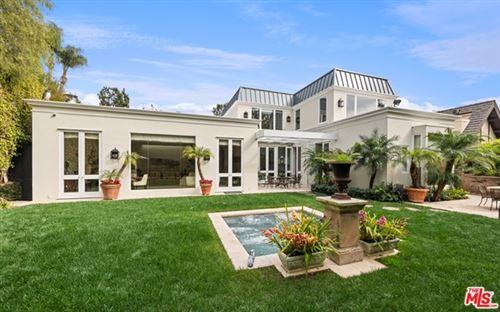 Photo of 229 Woodruff Avenue, Los Angeles, CA 90024 (MLS # 21693808)
