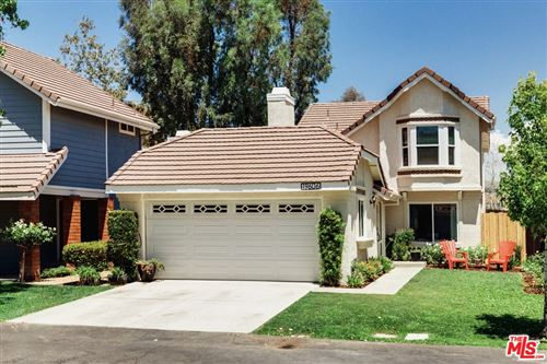 Photo of 19606 Bruces Place, Canyon Country, CA 91351 (MLS # 21765808)