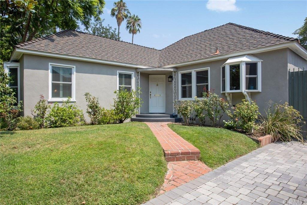 Photo of 4700 Farmdale Avenue, Valley Village, CA 91602 (MLS # AR21189810)