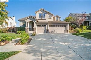 Photo of 566 Thornhill Ln, Brentwood, CA 94513 (MLS # 40887811)