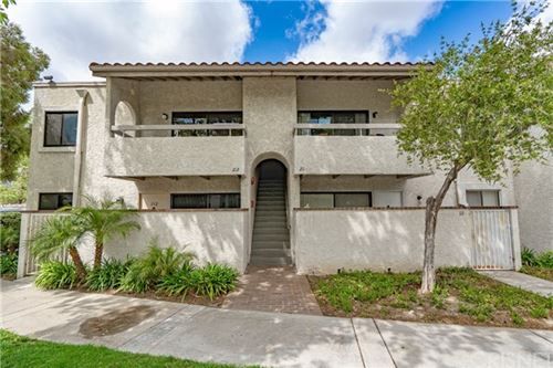 Photo of 25003 Peachland Avenue #212, Newhall, CA 91321 (MLS # SR21079811)