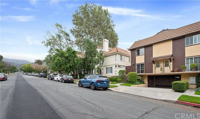 Photo of 622 E Palm Avenue #A, Burbank, CA 91501 (MLS # BB21073811)